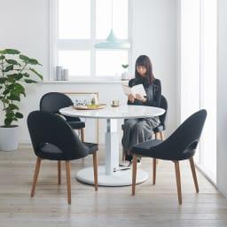 高さ自由自在!カフェスタイルダイニング 丸形昇降テーブル単品・径110cm ホワイト コーディネート例 ※お届けは昇降テーブル・径110cmです。