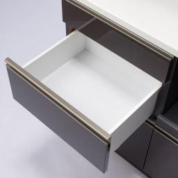 高機能 モダンシックキッチン キッチンボード 幅90奥行45高さ193cm 引き出し内部は汚れに強くて美しい化粧仕上げ。引き出しの内部には清潔感溢れるホワイトカラーで化粧を施し、収納物に配慮。お手入れがしやすく仕上げました。
