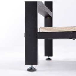 ブルックリン風キッチンラック 5段 幅60cm 脚部にアジャスター付き。ガタつきを防げ、安定感を高めます。