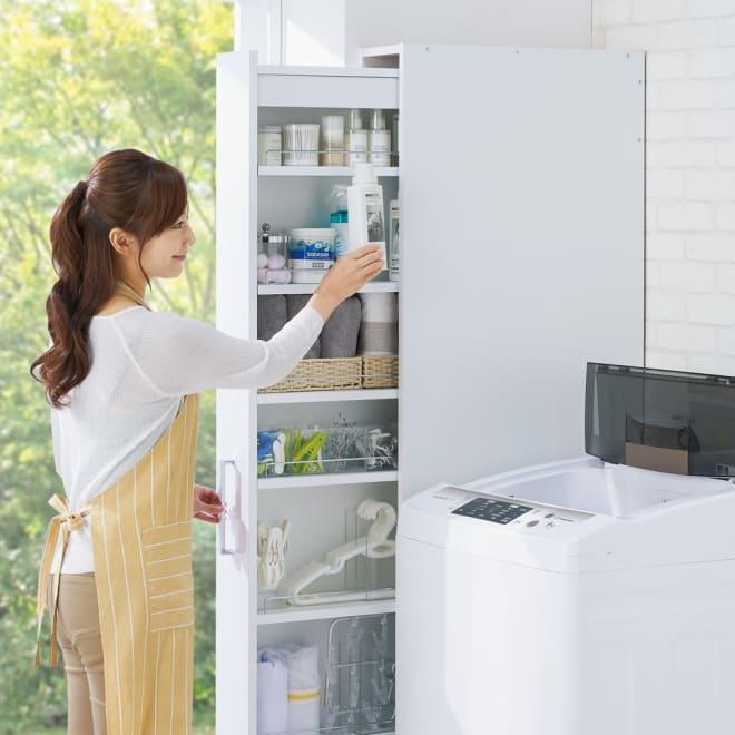 ボックス付きリバーシブル すき間収納庫 幅19奥行47cm 洗濯機横のすき間に キャスター付きなので、楽に引き出せ、洗剤などをすぐに取り出せます。