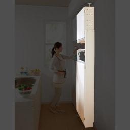 薄型で省スペースキッチン突っ張り収納庫 扉タイプ 幅60cm・奥行19cm