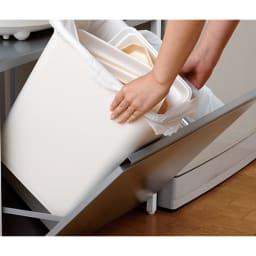 大型レンジ対応レンジラック ペール3分別ゴミ箱付きレンジ台 ペールはそれぞれ取り外して洗えます。ペールサイズ:幅32奥行20.7高さ36cm