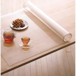 アキレス 高機能テーブルマット 幅90cm(オーダーカット) ダイニングテーブルの美しさをキープ。耐熱温度50℃でホットプレートを置いても大丈夫。
