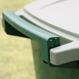 ハンドル付きダストボックス 90Lキャスター付き1個 カート使いの際に使用する、本体と一体式のハンドル。握りやすい形状です。