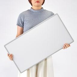 幅122~130奥行68cm(2枚割) 銀イオン配合(AG+) 軽量・抗菌 パネル式風呂フタ サイズオーダー 女性でもサッと持ち運べ、開閉もラク。