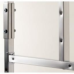 奥行たっぷり ステンレス棚の洗濯機ラック 棚3段 幅60~89cm 収納物をしっかり支える頑丈な2cm角パイプ。