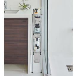 ステンレス洗濯機サイドラック 4段 幅17.5cm高さ103.2cm 使用イメージ ※写真は3段 幅14.5高さ80.5cmタイプです。