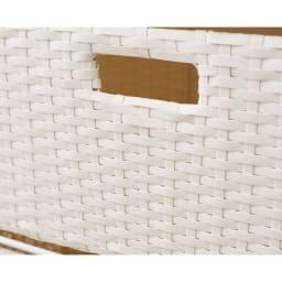 ラタン調ランドリーチェスト キャスター付きタイプ 幅61高さ109.5cm (ア)ホワイト ラタンのような風合いのバスケットは水に強いポリエチレン製。汚れてもお手入れが簡単です。