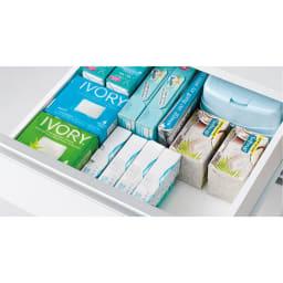 組立不要 収納物に優しい サニタリーすき間チェスト 幅45cm 洗面所のお掃除用品や化粧品など細かい収納物もすっきり収納できます。