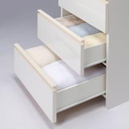 組立不要 スペースに合わせて奥行が選べるサニタリーチェスト 幅45奥行31cm 引出しには大判のバスタオルやフェイスタオルがまとめて収納できます。