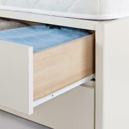 寝そべりながらタブレットが使えるベッド ポケットコイルマットレス(厚さ19cm)付き 引き出しはスライドレール付き。