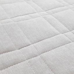 抗菌防臭デニム調 キルトチェアカバー(同色2枚組) 生地アップ 肌に当たる表面はさらりと気持ちの良いコットン素材