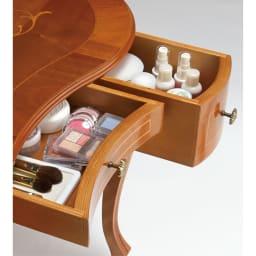 イタリア製猫脚象がんシリーズ ドレッサー コスメ類の収納に便利な小引き出し3杯付き。