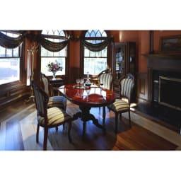 イタリア製象がんシリーズ ネストテーブル3点セット イタリアン家具でコーディネートしたイメージ。