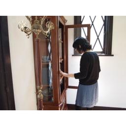 イタリア製クラシック ガラスコレクションキャビネット