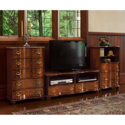 イタリア製象がんクラシック家具 テレビボード幅111cm 背面は化粧がありませんので、壁付の使用をお勧めします。