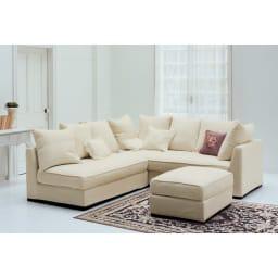 ベルギー製クラシック柄 モケット織りラグ【絨毯】 人気の白いソファや収納家具との相性も◎