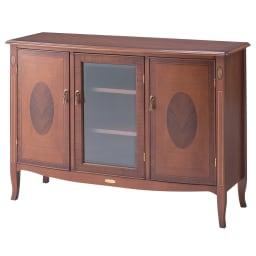 ベネチア調象がんシリーズ サイドボード 扉中央は象嵌のアクセント。幕板にエンブレム。タッセル風の取っ手金具など、シリーズ人気の秘密は細かな仕上げにあります。