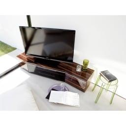 住宅事情を考えたコーナーテレビボード 幅165cm・右コーナー用(右側壁用) (イ)ダークブラウン色見本※写真は幅165・左コーナー用です。