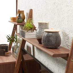天然木シェルフテレビ台シリーズ テレビ台 幅110cm 飾り棚の位置は、3cm間隔で5段階に調整可能。