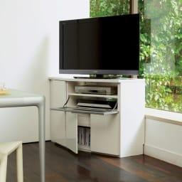 ダイニングテーブルから見やすいハイタイプテレビ台左コーナー用(左壁用) コーディネート例(イ)ホワイト