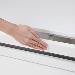 ラインスタイルシリーズ テレビ台 幅150cm 扉は全て開閉簡単なプッシュ式タイプ。