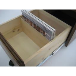 ミニマムデスク TSUKUE(ツクエ)サイドチェスト 幅41.5cm 下段引き出し内部に仕切り板がございます。