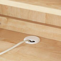 ホームライブラリーシリーズ キャビネット 幅60cm 高さ180cm デスク天板の配線穴に電源コードが通せます。