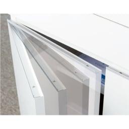 オールインワン!組立不要 マルチ収納パソコンデスク 幅89cm 扉が静かに閉まるダンパー蝶番を採用した快適仕様。