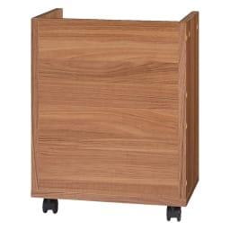 奥行60cm 脚下の棚が取り出しやすい ワイドデスクシリーズ 幅120cm(ワゴン2台付き) ワゴンの背面はきれいな化粧仕上げなので、ひっくり返して中を隠すことができます。(イ)ブラウン背面