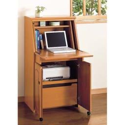 パイン天然木ライティングデスク 幅60.5cm (イ)ライトブラウン ノートパソコンや複合機(プリンター)もすっきりしまえます。