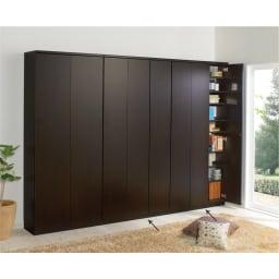 効率収納できる段違い棚シェルフ [本体 板扉タイプ 開き戸 幅90cm] 奥行32.5cm 高さ180cm (イ)ダークブラウン 本体幅75.5cmと90cm2台の組み合わせ例です。