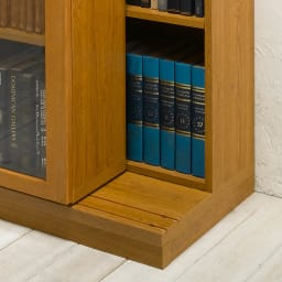 本格仕様 快適スライド書棚 オープン 2列 前面のスライド書棚を後ろレールに乗せ棚板状態。