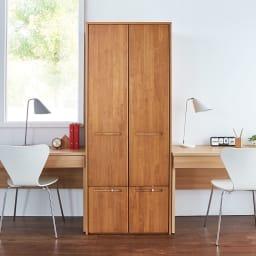 本格派 スライド収納書棚 幅広 2列 幅73cm 使用イメージ:(イ)ナチュラル 前面は天然木を使用しているため、温もりある風合いが魅力。