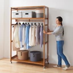 【総耐荷重約50kgで頑丈なつくり】 キャスター付き天然木ハンガーラック 幅120cm キャスター付きなので女性ひとりでもラクに移動できます。模様替えやお掃除のときも困りません。