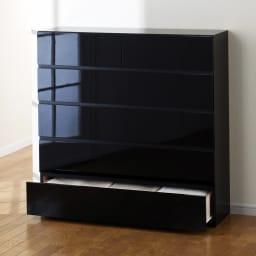 奥行30cm薄型ツヤツヤチェスト 幅100cm・5段 (イ)ブラック ツヤツヤの光沢感を堪能してください。