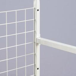 頑丈幅伸縮すのこ布団台シリーズ クローゼット棚2段 高さを13cm間隔で6段階に調節できます。