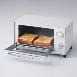 温度調節機能付きオーブントースター 食パン2枚同時調理可能。