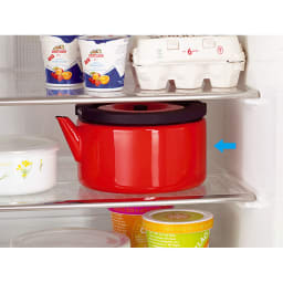 IH兼用 冷蔵庫にも入る収納便利なフラットケトル(茶こし付き) 冷蔵庫にすっぽり入る薄型。