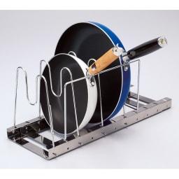 引き出し用 伸縮フライパン&鍋ラック 取り出しやすい取っ手置き付き。