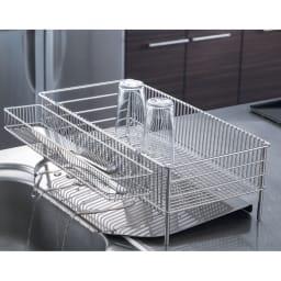 有元葉子のラバーゼ オールステンレス製水切りカゴセット 縦置き スリム 小さめのキッチンでも収まる縦置きスリムサイズ。