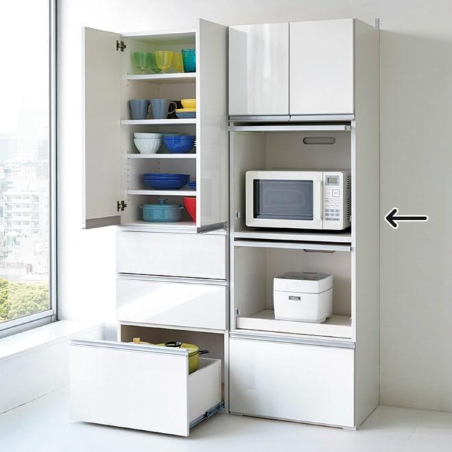 組立不要!家電を隠せるキッチン収納シリーズ レンジラック幅59.5cm 高さ180cmでキッチンにすっきり収まります。