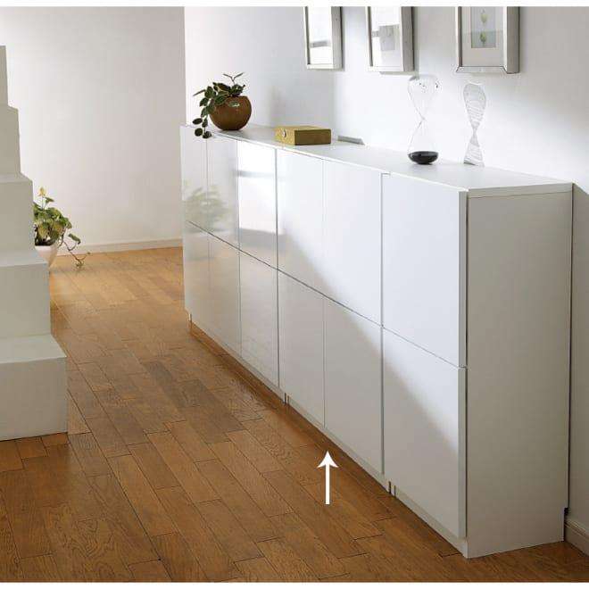 国産!ツヤツヤ光沢が美しい 薄型スクエアキャビネット(奥行22cm) 収納庫・幅80cm リビングにもふさわしい収納。食器、食品などのキッチン収納か本棚(書棚)まで幅広くお使いいただけます。 ≪組合せ例≫ ※写真はチェスト、収納庫幅120です。