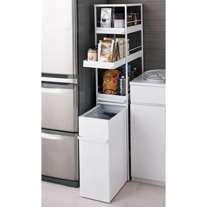 わずかな隙間に収まる ダストワゴン 付き すき間 キッチンラック ハイ(収納棚)タイプ 高さ149.5cm 幅30cm シンクやカウンター横のわずかなデッドスペースに収まる、ダストボックス付のキッチンラックです。