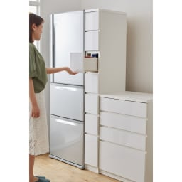 組立不要 サイズが選べる多段すき間チェスト 幅20cm・ハイタイプ キッチンの隙間や空きスペースを有効活用できる収納チェストです。