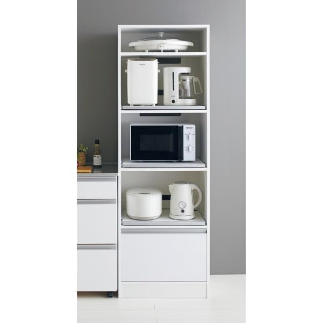 奥行スリム 幅が選べる 省スペース家電収納庫  幅60cm キッチン家電をまとめて収納できるオープンタイプのキッチンラック。3段のスライドテーブルがとても便利です。