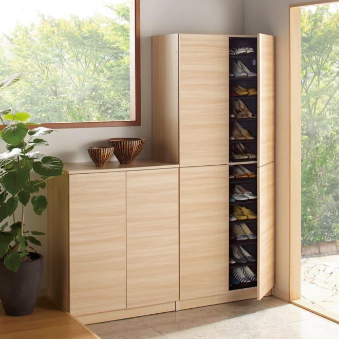 インテリアに合わせて8色&13タイプから選べるシューズボックス 扉 幅75高さ180.5cm コーディネート例(ウ)ライトアッシュ木目