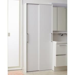 すっきり隠せる薄型引き戸収納庫 幅75cm 写真