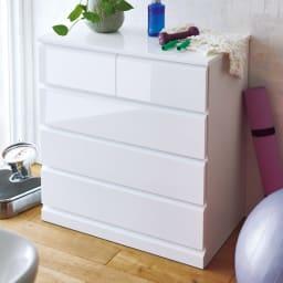 光沢仕上げ・内部化粧チェスト 幅75・奥行45cm 光沢感のある仕上がりは洗面所を明るく彩ります。清潔感の欲しい洗面所にぴったりです。