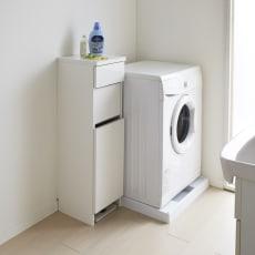 組立不要 洗濯カゴ付き2in1光沢サニタリー収納庫 ロータイプ 幅31cm